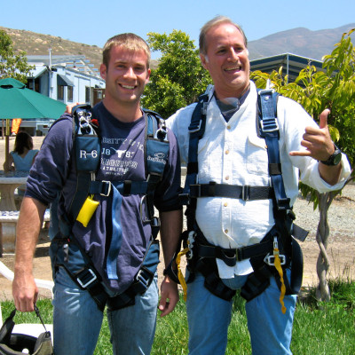 Jonas-dad-skydiving